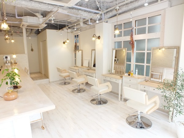 hair&make cureの店舗画像1