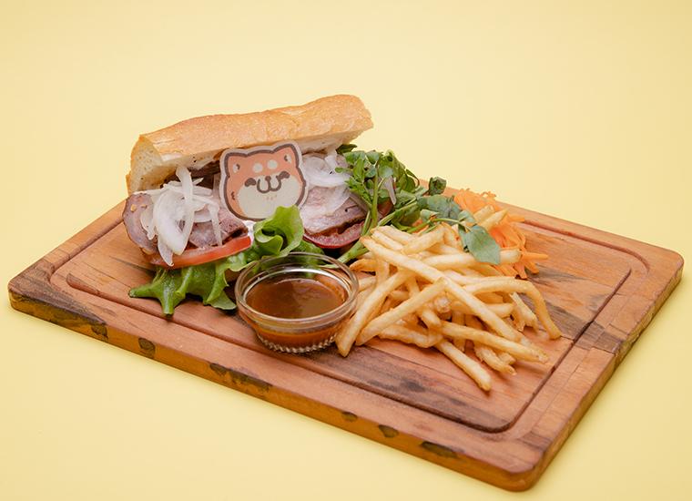 ローストビーフ肉布団サンド (ポテト付き)