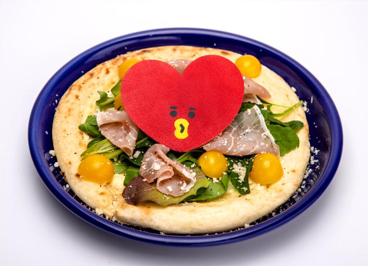 TATAのサラダピザ