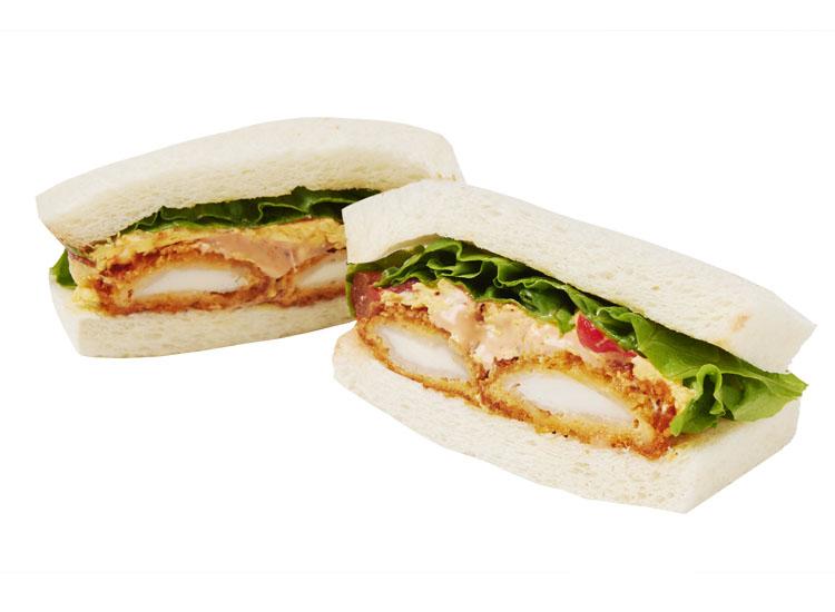 イカフライと卵のサンドイッチ ハーブオーロラソース