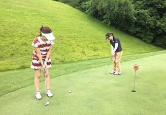 ゴルフは最大何人まで