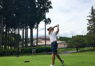 ゴルフで左肩を開かな