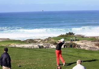 ゴルフでゆっくり振る