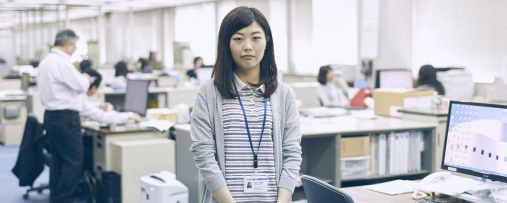 美粧用品開発・石田向日葵さんの場合。