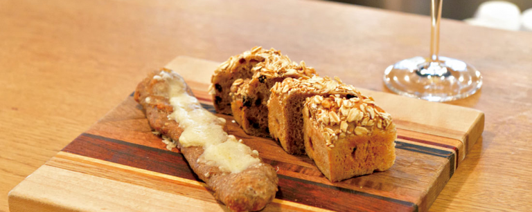 大人なパンの楽しみ方。「パンとワインのマリアージュ」が楽しめる、東京のおすすめベーカリー。