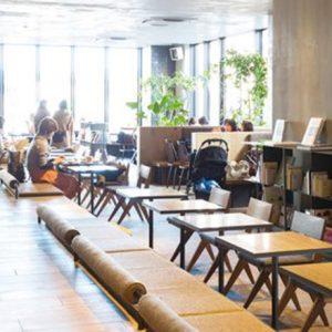 新宿・調布のおすすめブックカフェ。人気ブックディレクターがナビゲート!