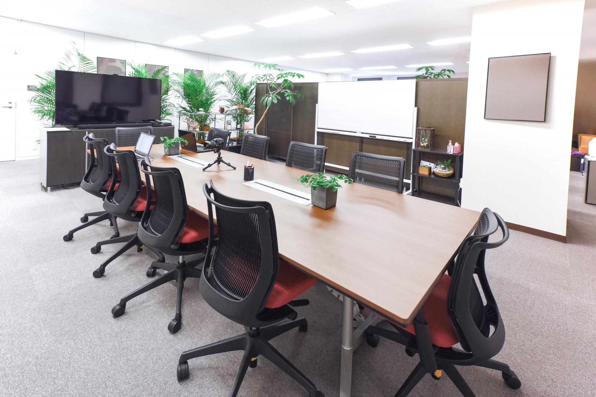 会議というコミュニケーションの場を設計するオフィス改革