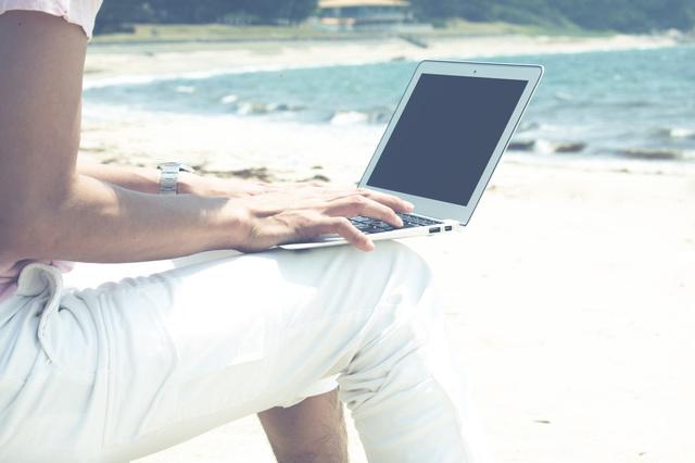 休暇と仕事を両立できる、新たな働き方「ワーケーション」ってなんだ?