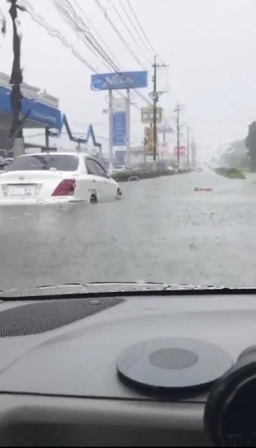 台風でも配達するピザチェーンの経営責任