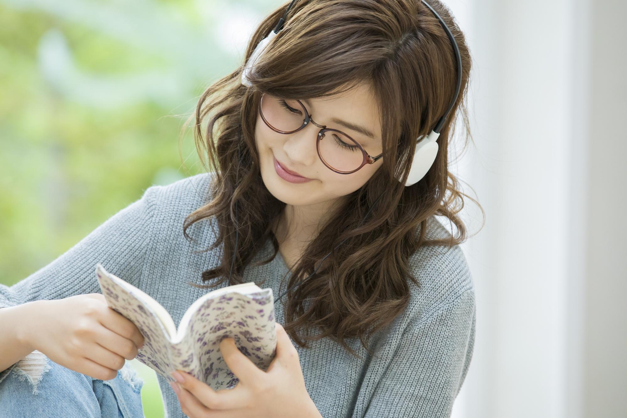 「本を聴く」新たな読書スタイル「オーディオブック」が、新たな潮流へ