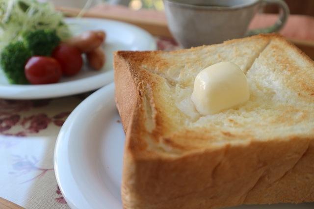 歴史や価値とともに変化する「お値段」⑯ ─ 食パンと牛乳のお値段