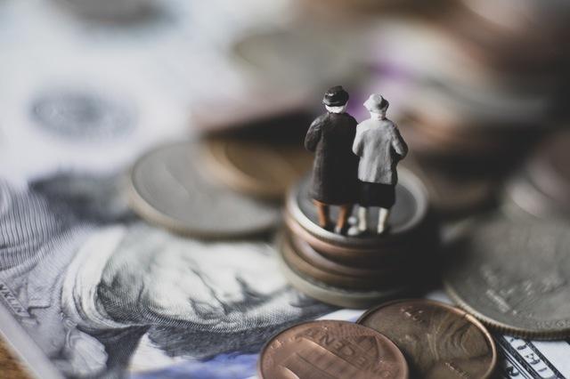 年金だけじゃ足りない! 資産寿命をどう伸ばす?