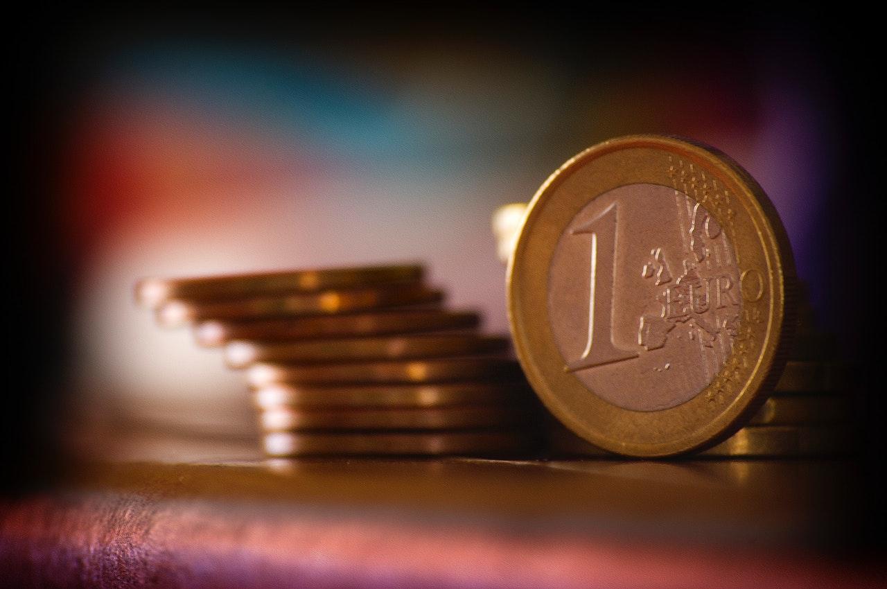 2000万円年金発言は投資への興味を高める格好の機会