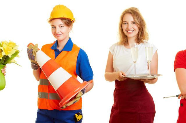 ビジネスマンの給料の減少が止まらない。副業に走るしかないのか?