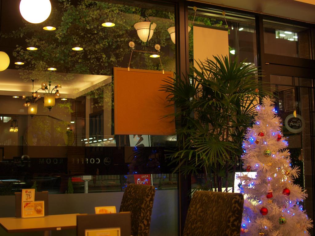 喫茶室ルノアールにあって、スターバックスにないもの。