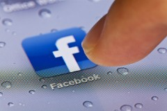 Facebookのスライドショー機能と、ビュースルーコンバージョンの設定方法