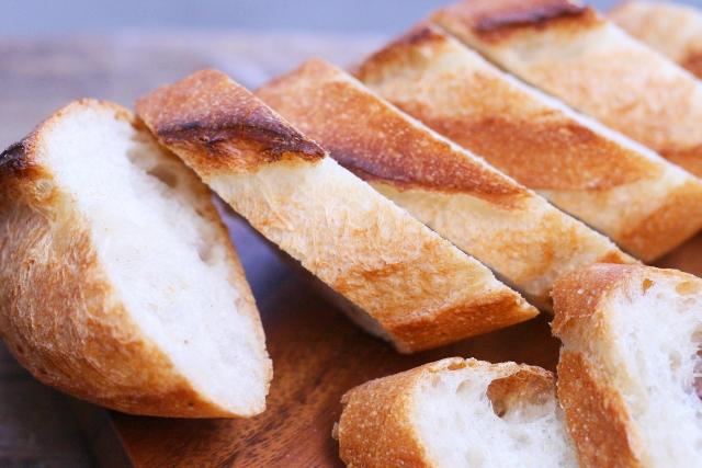 今日は何の日 4月12日は「パンの記念日/パンの日」