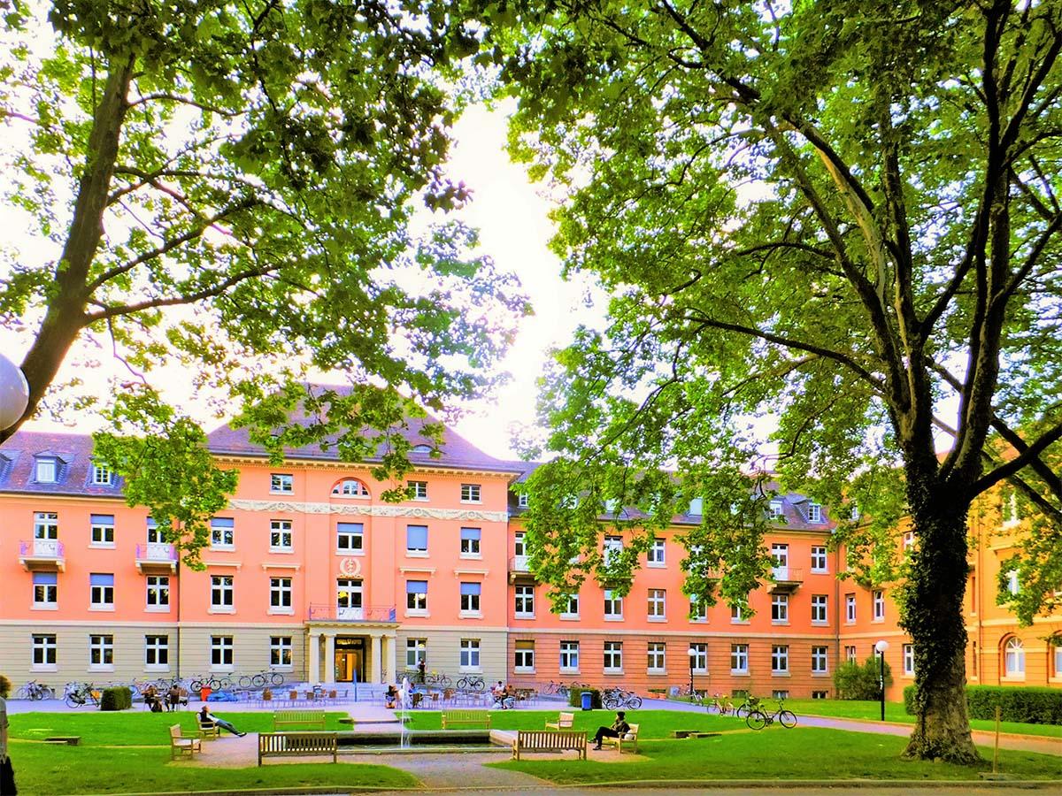 奨学金は瀕死の大学と地方の延命策:学生はカモネギ奴隷?