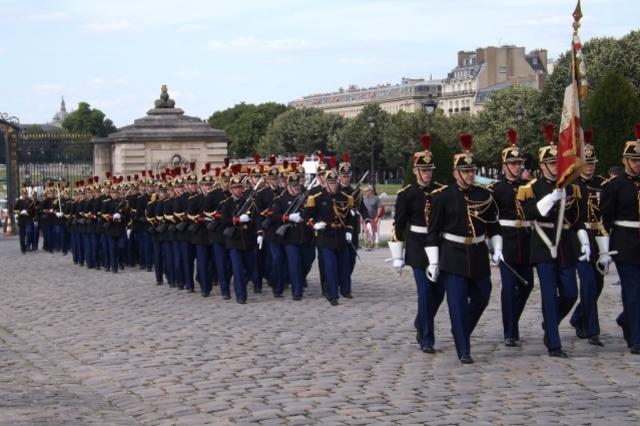 なぜ軍人が政府高官になれるのか?  軍事理論と組織経営の関係