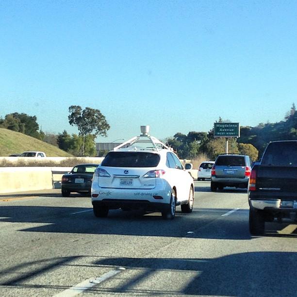 自動運転車と一般車が混在する過渡期における注意点