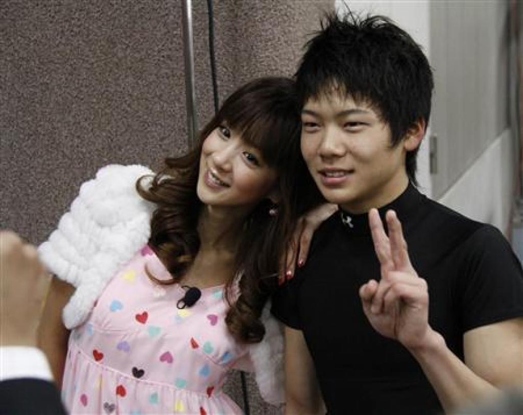 ほしのあき ほしのあき&三浦皇成夫妻が《離婚間近》