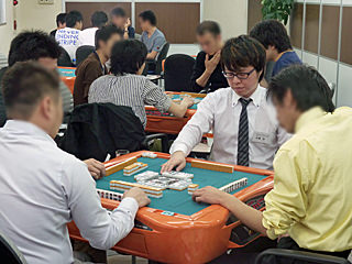 麻雀KINGチャレンジカップ:5月7日には土田浩翔プロが登場