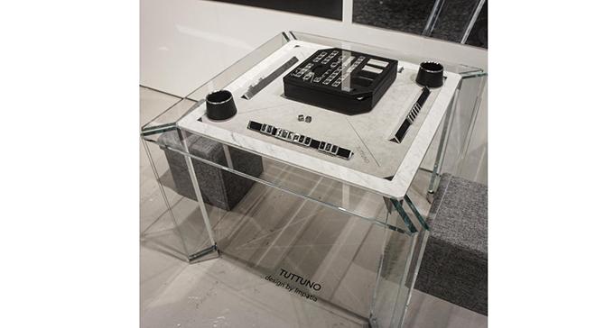 イタリアのデザイン会社「インパシア」が扱っているクリスタルの麻雀牌とは・・・?