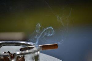 東京都の受動喫煙防止条例が成立 麻雀店はどうなる?