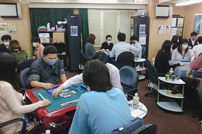 麻将連合の下出和洋が3連勝で首位に浮上!/ 第4期麻雀の頂朱雀リーグ 第2節結果