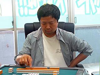 羽生世代の天才 先崎学棋士の多彩な活躍とは?