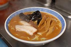 白湯スープの中華そば