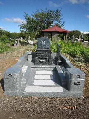 洋型墓石3