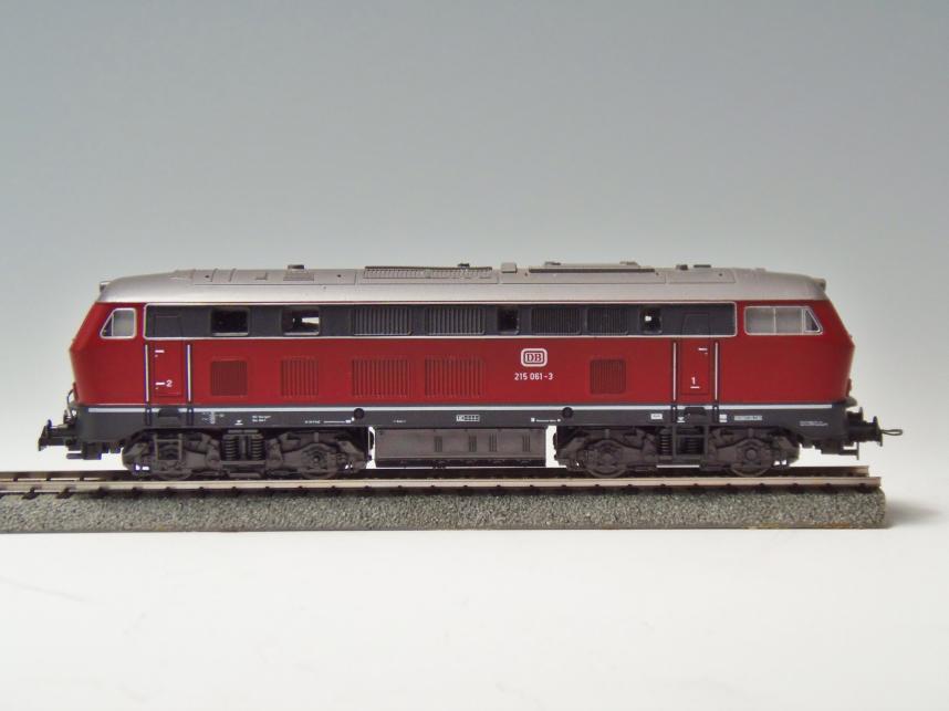 Nゲージ DB215 061-3  ディーゼル機関車