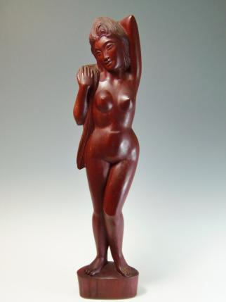 木彫り女性 裸婦