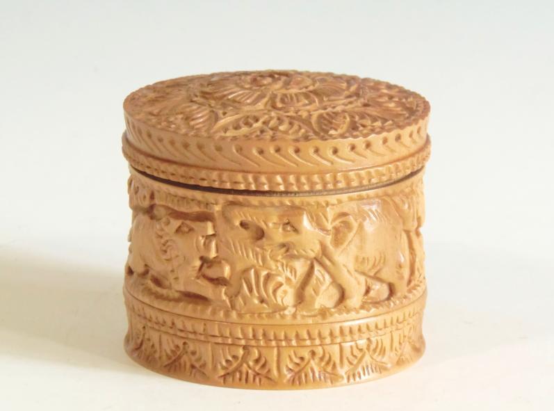木彫り キャップ付小物入