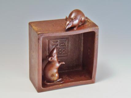鼠陶器置物