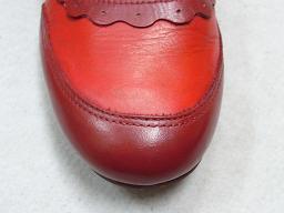 赤い靴のつま先色落ち修理