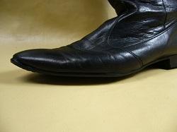革靴 爪先穴修理
