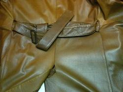 革コート破れ修理