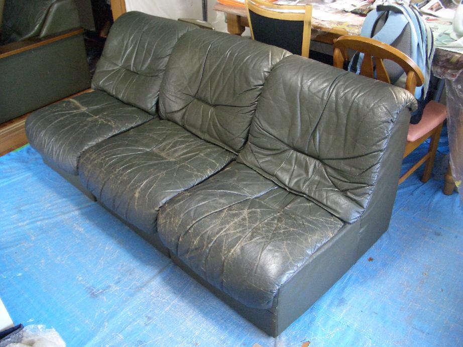 本革のソファ修理例 施工前 1