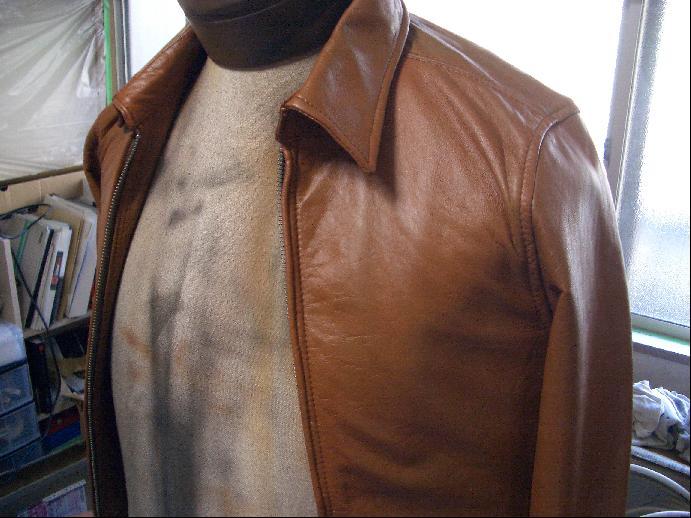 レザージャケットのリカラー・色替え 修理例 施工後
