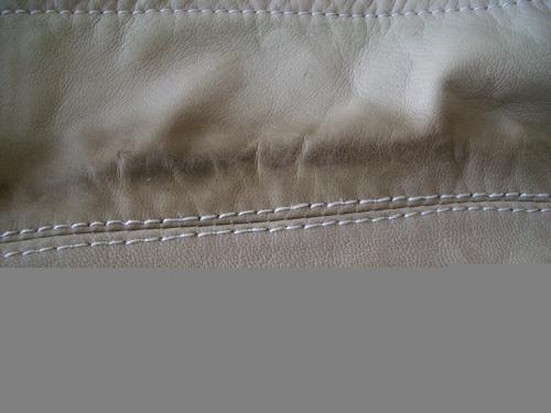 レザージャケットの部分直し、クリーニング修理例 施工前