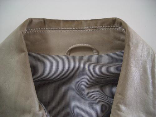 レザージャケットの部分直し・クリーニング修理例 施工前 2
