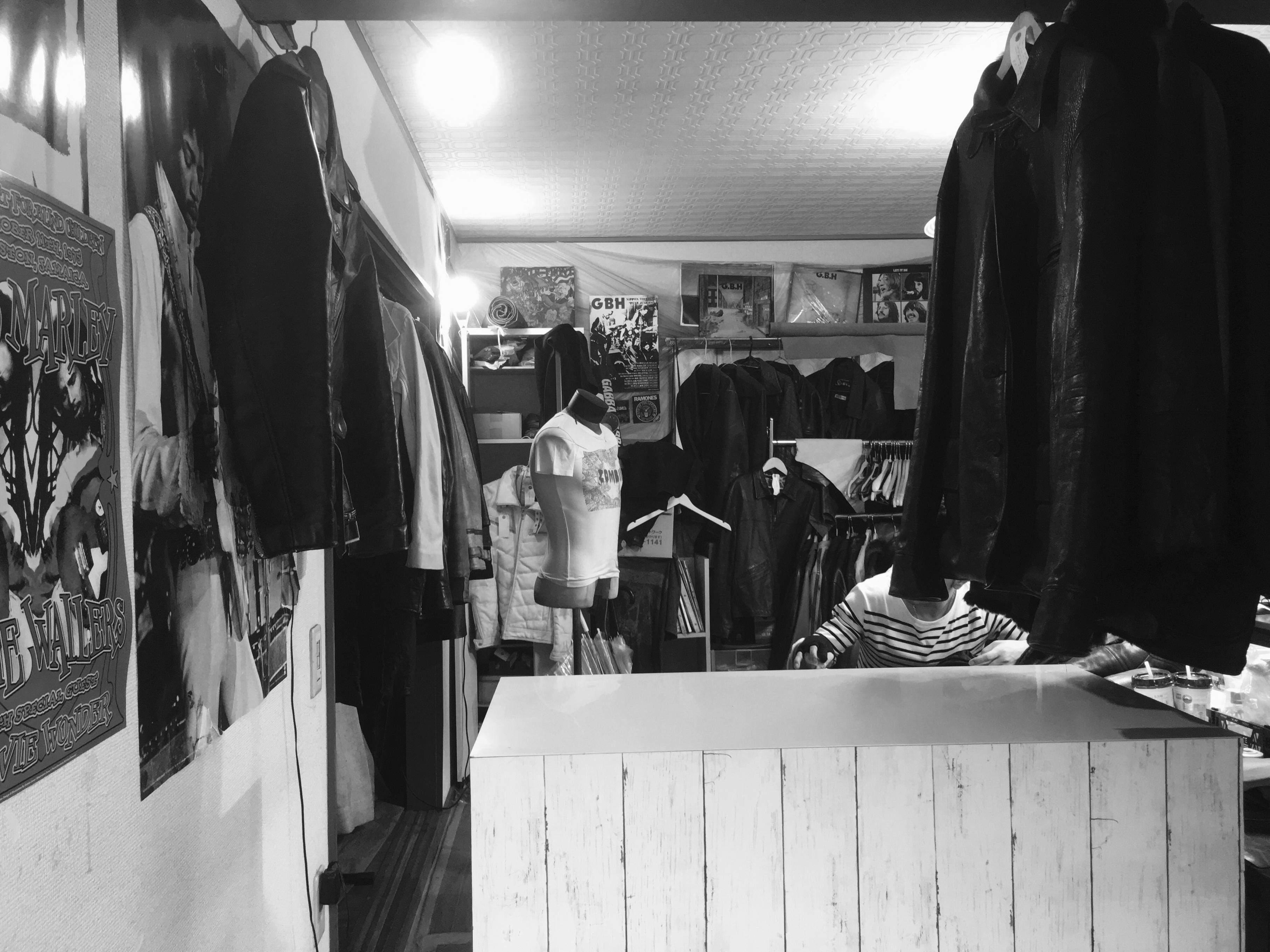 YSR本店 店内の写真