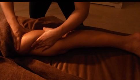 大腿をほぐすことで腰痛改善につながります