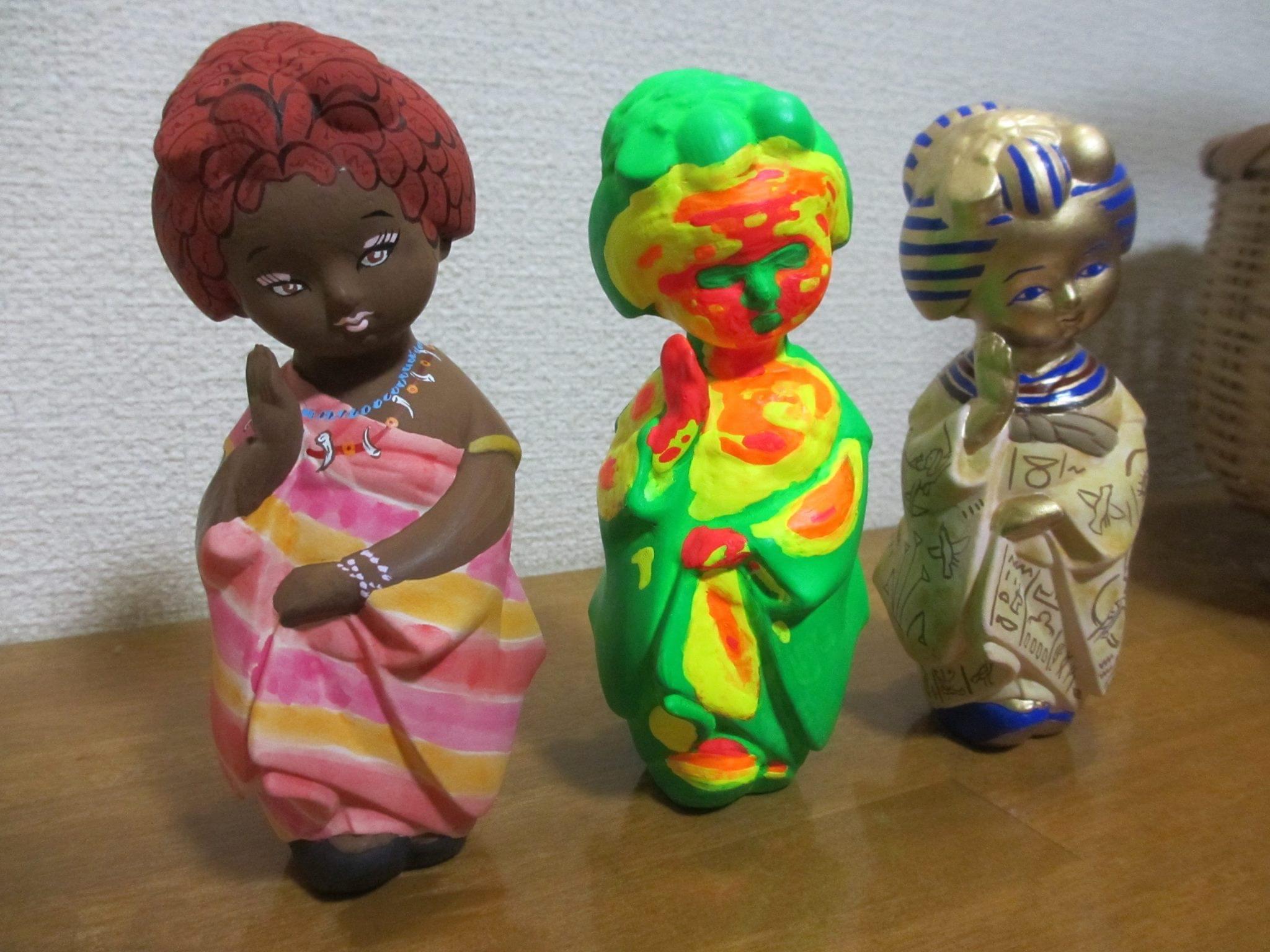 舞妓さんの人形に自由に絵付けしてみました。アフリカの人形 アフリカ女性 サーマルセンサー ツタンカーメン 人形 博多人形