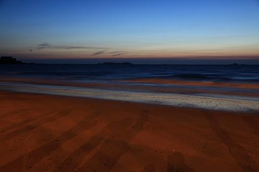 夕方の海の写真