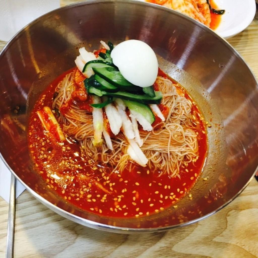 서울 매콤한 냉면 맛집 사진