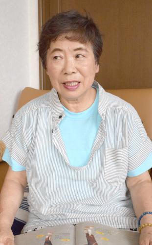 猫との思い出を語る飛野涼子さん=北海道新ひだか町