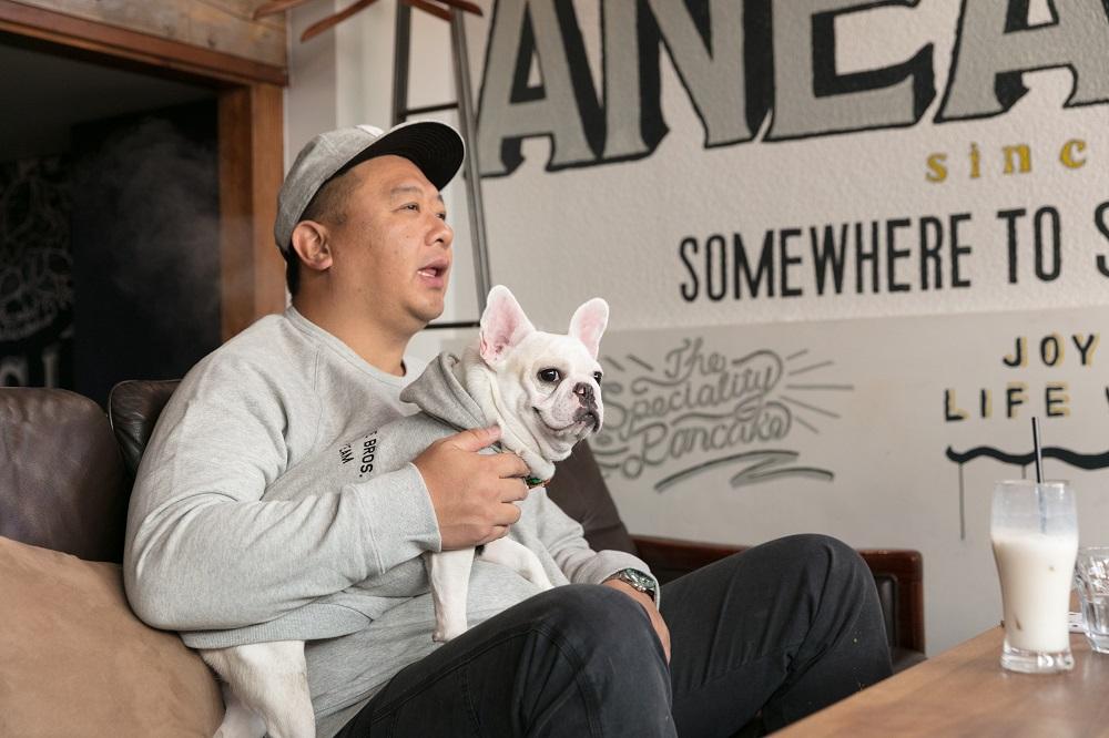 代々木公園近くには愛犬と入れるお洒落なカフェもたくさん。取材協力:「anea café参宮橋店」
